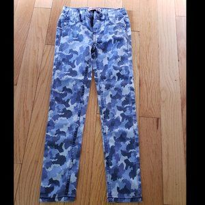 Squeeze Girl's pant  Blue camo print  Size 10